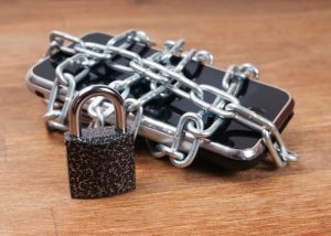 Wandera reports on state of mobile security in financial services