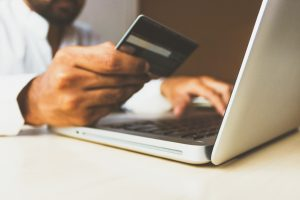 Credit card fraud increased by 35%: how to shop safely during the holidays