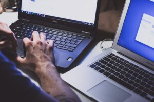 How to use technology to improve your employees' skills and increase productivity