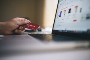 6 ecommerce trends you should know about in 2021